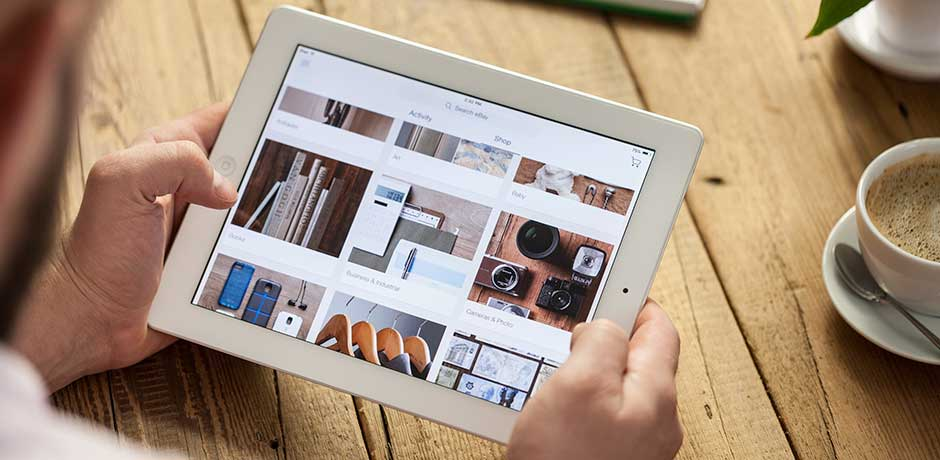 Site cu design personalizat vs. Site cu tema aplicata